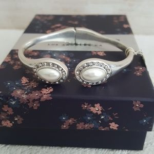 New Lucky Brand Silver Tone Hinged Bracelet